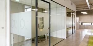Glaswand voor kantoor