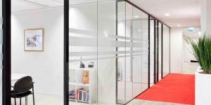 Glaswand Slimline kantoorwand met glasdeur