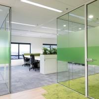 Glazen kantoorwand Verbeek en Rinzema