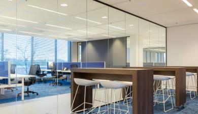 Volglaswand afscheiding kantoorruimte